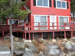 Lake Waukewan Waterfront (HAS14Wf) - Center Harbor vacation rentals