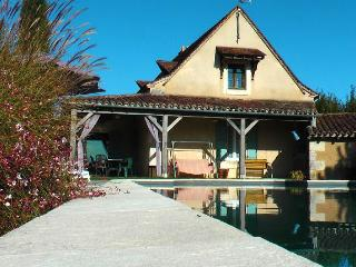 Charming House with Internet Access and Satellite Or Cable TV - Issac vacation rentals