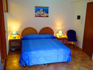 Cozy Parghelia Studio rental with Long Term Rentals Allowed (over 1 Month) - Parghelia vacation rentals