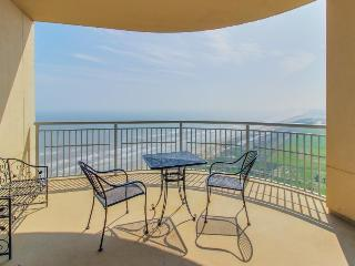 Luxurious Gulf front condo with a communal pool, hot tub & tennis! - Galveston Island vacation rentals