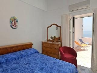 Nice 2 bedroom Positano House with Deck - Positano vacation rentals