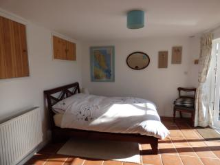 Lovely 1 bedroom Bath B&B with Internet Access - Bath vacation rentals