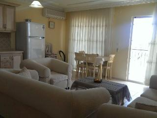 Lovely 2 bedroom Altinkum Apartment with Television - Altinkum vacation rentals