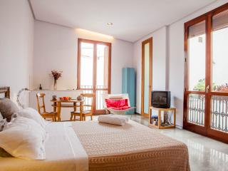 1 bedroom Apartment with Internet Access in Valencia - Valencia vacation rentals