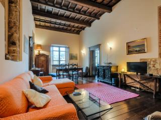 Historic apartment in the centre 2+1 - Alghero vacation rentals