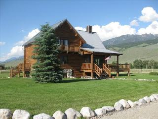 The Pleasant Pheasant  Single/Multi-Family Retreat - Pray vacation rentals