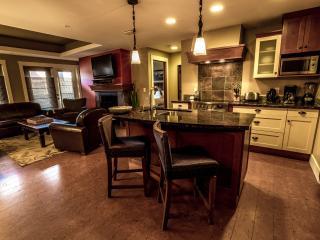 Luxury Canmore 2 Bedroom Preferred Extra Spacious Condo - Canmore vacation rentals
