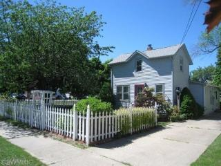 The Maples. 1 Block to Kids Corner, 2 Blocks to Beach. - South Haven vacation rentals