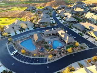Red Rock ~ 2733 sq ft 3 bed 3.5 bath home across from the pool at Coral Ridge - Washington vacation rentals