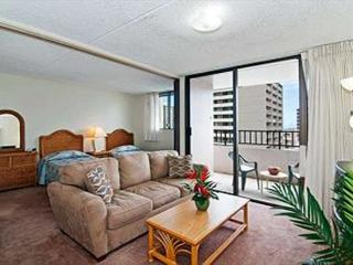 Royal Kuhio Condo with Full Kitchen and Parking - Honolulu vacation rentals