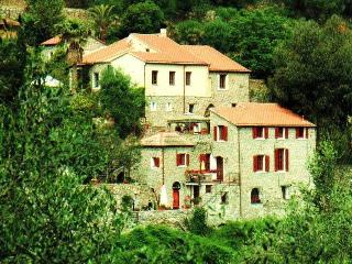 """""""Il Frantoio"""" Vacanze nell'antico Mulino - San Bartolomeo al Mare vacation rentals"""