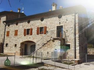 Nice Villa with Internet Access and Central Heating - Torri del Benaco vacation rentals