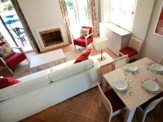 Nice Villa with Internet Access and A/C - Castro Marim vacation rentals