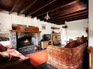 CLOVERDALE COTTAGE, Crosthwaite, Near Windermere - Crosthwaite vacation rentals