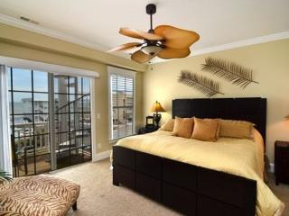 Wonderful Condo with Deck and Internet Access - Carolina Beach vacation rentals