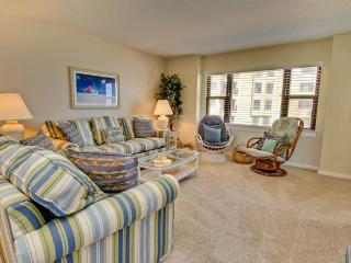 2 bedroom Condo with Internet Access in Indian Beach - Indian Beach vacation rentals