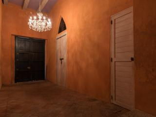 Wonderful 4 Bedroom House in Old Town - Cartagena vacation rentals
