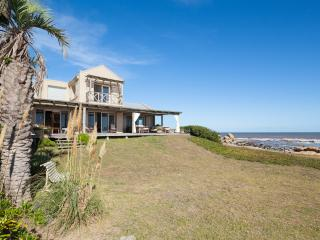 Perfectly Located 4 Bedroom Home in Jose Ignacio - Manantiales vacation rentals