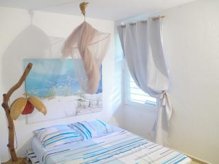 Chambre double dans coin calme et verdoyant. - Petit-Bourg vacation rentals