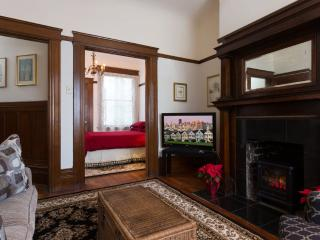 ELEGANT AND FURNISHED 2 BEDROOM APARTMENT IN SAN FRANCISCO - San Francisco Bay Area vacation rentals