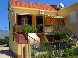 Holiday home Ana, resting place near beach - Sucuraj vacation rentals