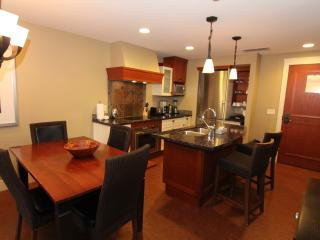 Relax in this Luxury Canmore 2 Bedroom Condo - Canmore vacation rentals