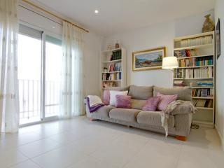 SAN BENET, center, only 5 minutes from the beach. - Sitges vacation rentals