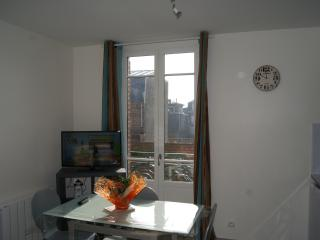 Romantic 1 bedroom Mers Les Bains Apartment with Television - Mers Les Bains vacation rentals