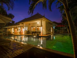 Charming 4BR SEMINYAK close to beach - Seminyak vacation rentals