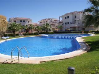 Cozy 3 bedroom Alcossebre Apartment with A/C - Alcossebre vacation rentals
