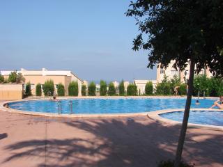 villa = piscine chauffée tennis wifi et 5 vélos - Peniscola vacation rentals