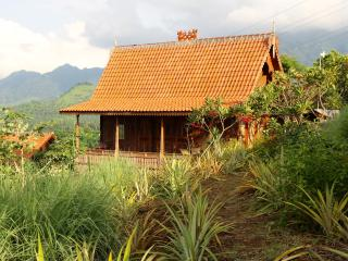 Basuki, wooden romantic house - Pemuteran vacation rentals