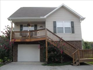 Perfect House with Internet Access and Dishwasher - Pigeon Forge vacation rentals
