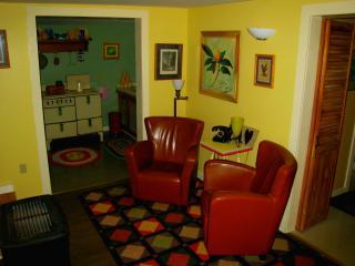 Redwood Cottage in Eureka Springs, Ar. - Eureka Springs vacation rentals