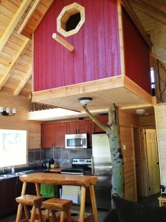 Perfect 4 bedroom Salmon Arm Chalet with Toaster - Salmon Arm vacation rentals