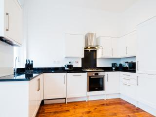 A sleek and fresh apartment in Notting Hill - United Kingdom vacation rentals