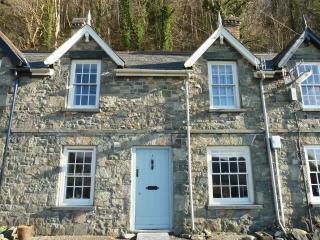 Lovely House with Television and DVD Player - Arthog vacation rentals