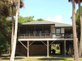 """403 Pompano St  - """"Smith House"""" - Edisto Beach vacation rentals"""