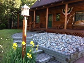 Cozy Newer Log Home backs on to Boyne River - Boyne Falls vacation rentals
