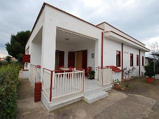 Comfortable House with Television and Balcony - Ribera vacation rentals