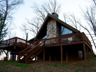 Charming mountain cabin with amazing views - Sevierville vacation rentals