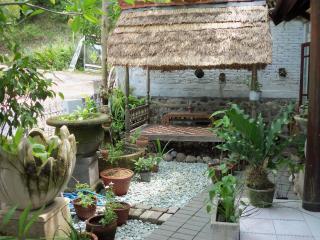 Nice House with Television and Balcony - Batu Layar vacation rentals