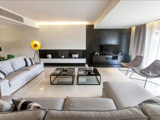 New Luxury Apartment facing the Sea - Parede vacation rentals