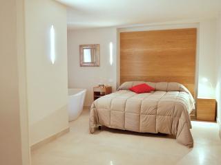 un intero appartamento a tua disposizione - Rocchetta Al Volturno vacation rentals