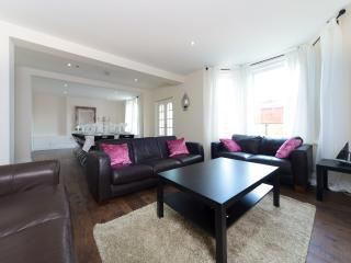 Large House close to amenities and town centre - Bournemouth vacation rentals