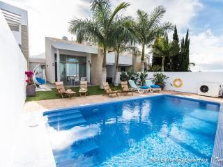 Nice Villa with Internet Access and Dishwasher - Costa Adeje vacation rentals