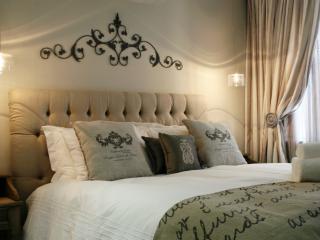 Avemore Lagratitude 6 - Stellenbosch vacation rentals