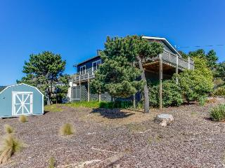 Quiet, dog-friendly house with oceanview - short walk to the beach! - Lincoln City vacation rentals