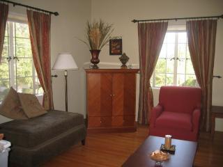 Furnished Apartment at E Orange Grove Blvd & N Altadena Dr Pasadena - Pasadena vacation rentals