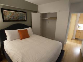 Wonderful 1 Bedroom, 1 Bathroom  Apartment in Back Bay - Great Amenities - Boston vacation rentals